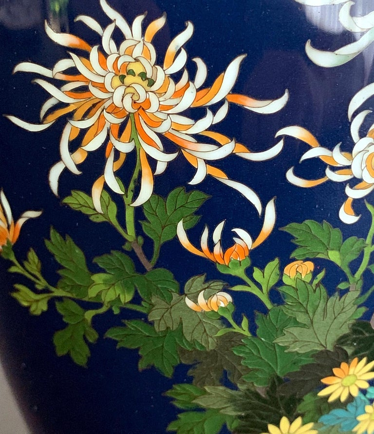 Fine Japanese Cloisonne Vase by Hayashi Kodenji In Good Condition For Sale In Atlanta, GA