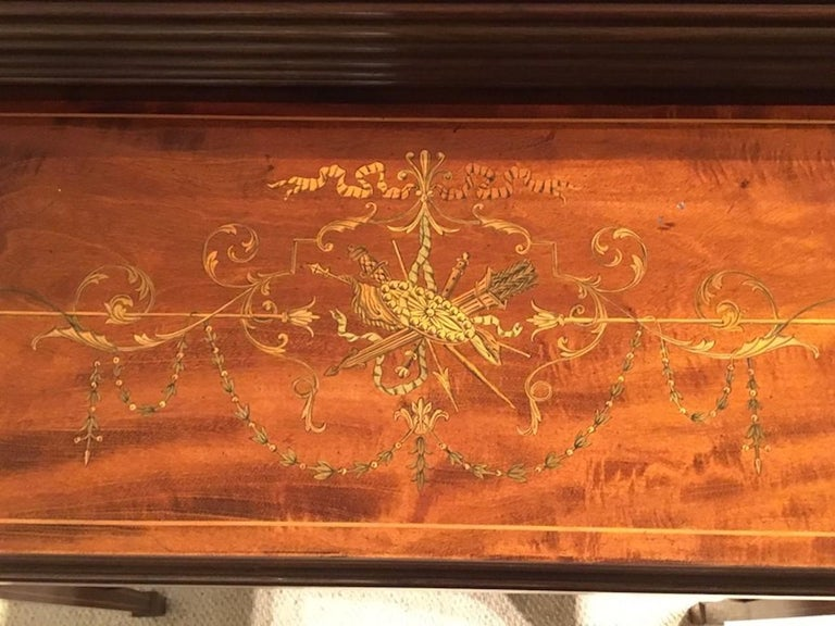 Fine Quality Mahogany Inlaid Edwardian Period Desk by Maple & Co. of London In Good Condition For Sale In Darwen, GB