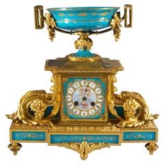 Fine Quality Sèvres-style Louis XVI Gilt-Bronze and Porcelain Mantel Clock