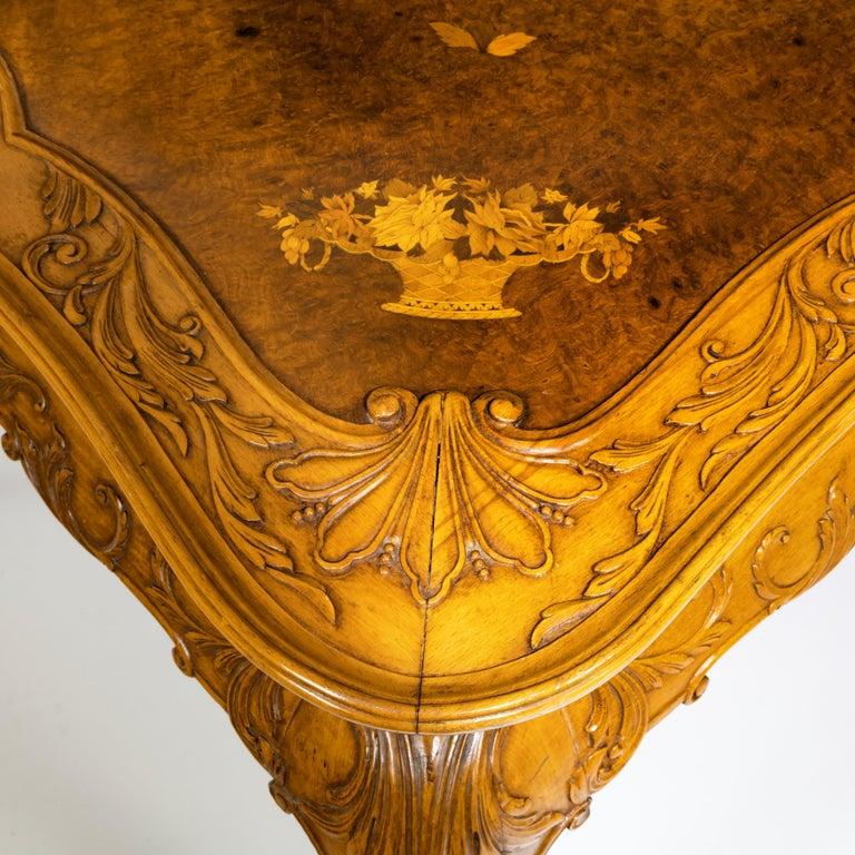 Fine Walnut and Burr Walnut Orientalist Centre Table, 1920 For Sale 5