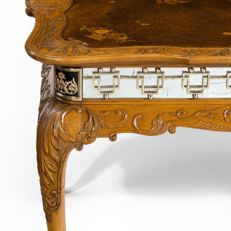 Fine Walnut and Burr Walnut Orientalist Centre Table, 1920 In Good Condition For Sale In Lymington, Hampshire