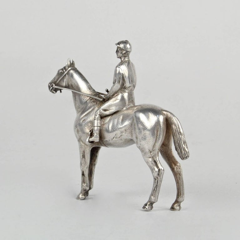 Finely Cast Silver Equestrian Horse Racing Sculpture In Good Condition For Sale In Philadelphia, PA