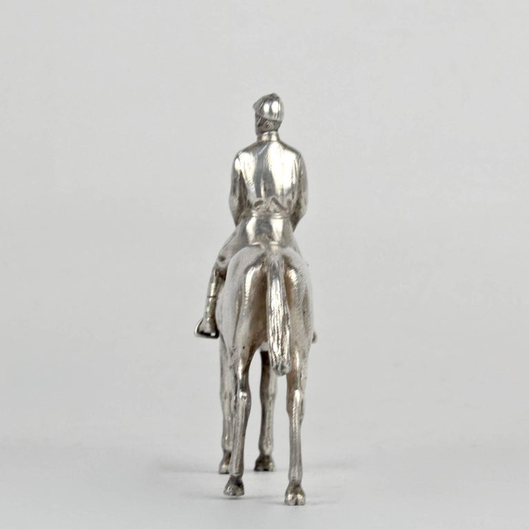 Women's or Men's Finely Cast Silver Equestrian Horse Racing Sculpture For Sale