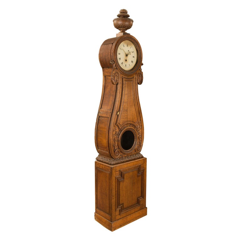 French 18th Century Louis XVI Period Oak Grandfather Clock In Excellent Condition For Sale In West Palm Beach, FL