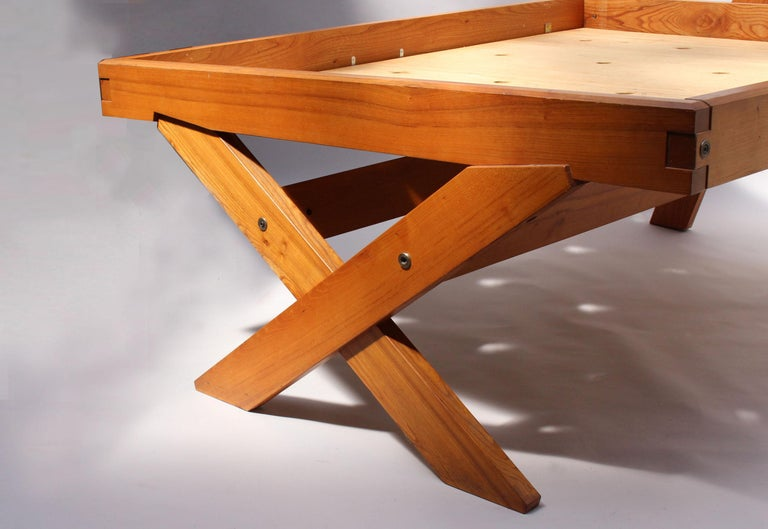 A French 1950's Solid Elm Bed by Pierre Chapo For Sale 3