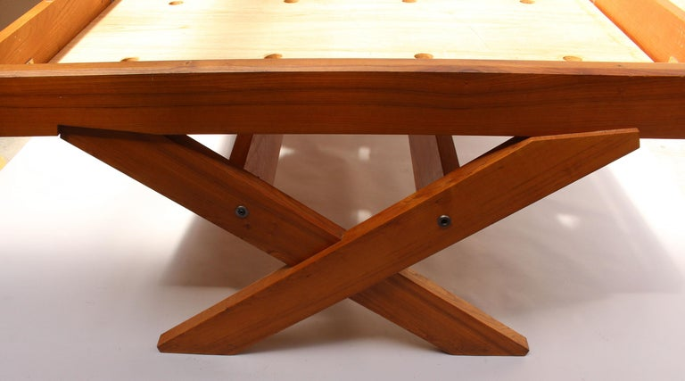 A French 1950's Solid Elm Bed by Pierre Chapo For Sale 4