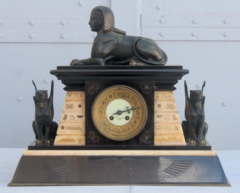 French 19th Century Egyptomania Three-Piece Clock Garniture, circa 1860 In Good Condition For Sale In Saint-Ouen, FR