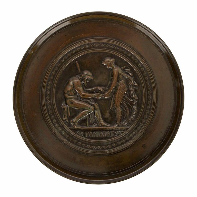 French 19th Century Grand Tour Period Bronze Tazza Signed F. LEVILLAIN 1866 For Sale 2