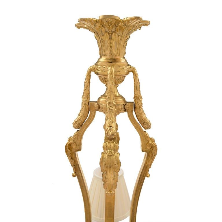 French 19th Century Louis XVI Style Ormolu and Alabaster Chandelier In Excellent Condition For Sale In West Palm Beach, FL