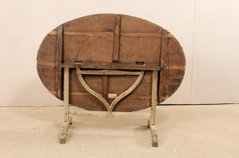 French 19th Century Oval-Shaped Wine Tasting Tilt-Top Table For Sale 7