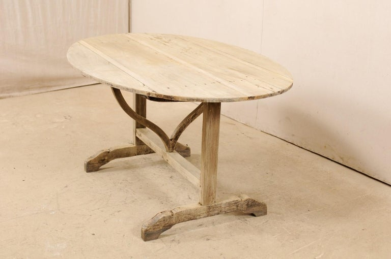 French 19th Century Oval-Shaped Wine Tasting Tilt-Top Table For Sale 2