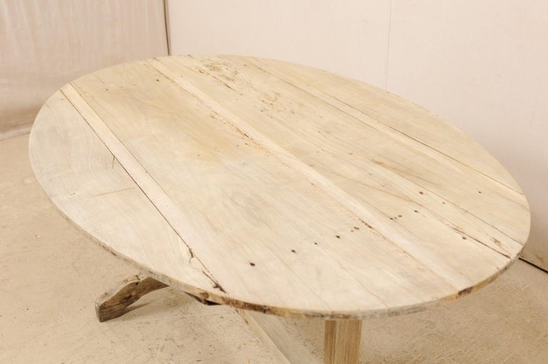 French 19th Century Oval-Shaped Wine Tasting Tilt-Top Table For Sale 3
