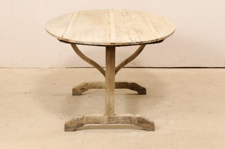French 19th Century Oval-Shaped Wine Tasting Tilt-Top Table For Sale 4
