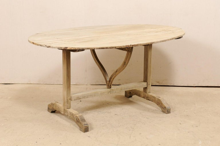French 19th Century Oval-Shaped Wine Tasting Tilt-Top Table For Sale 5