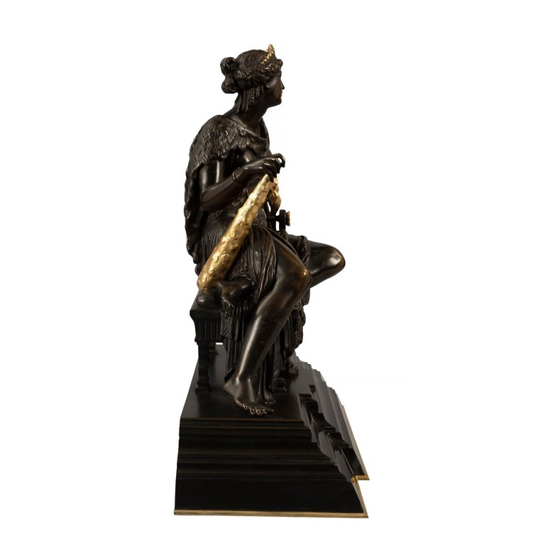 French 19th Century Renaissance St. Bronze and Ormolu Statue of Omphale In Excellent Condition For Sale In West Palm Beach, FL