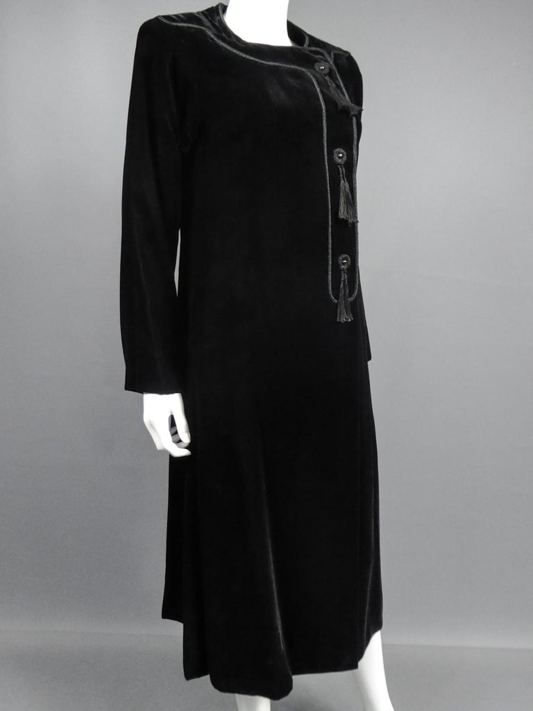A french Couture Emanuel UngaroLittle Black Dress Number 4383-10-76Circa 1976 For Sale 6