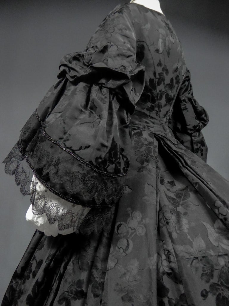 A French Crinoline Damask Silk Day Dress Circa 1865 with Provenance For Sale 7