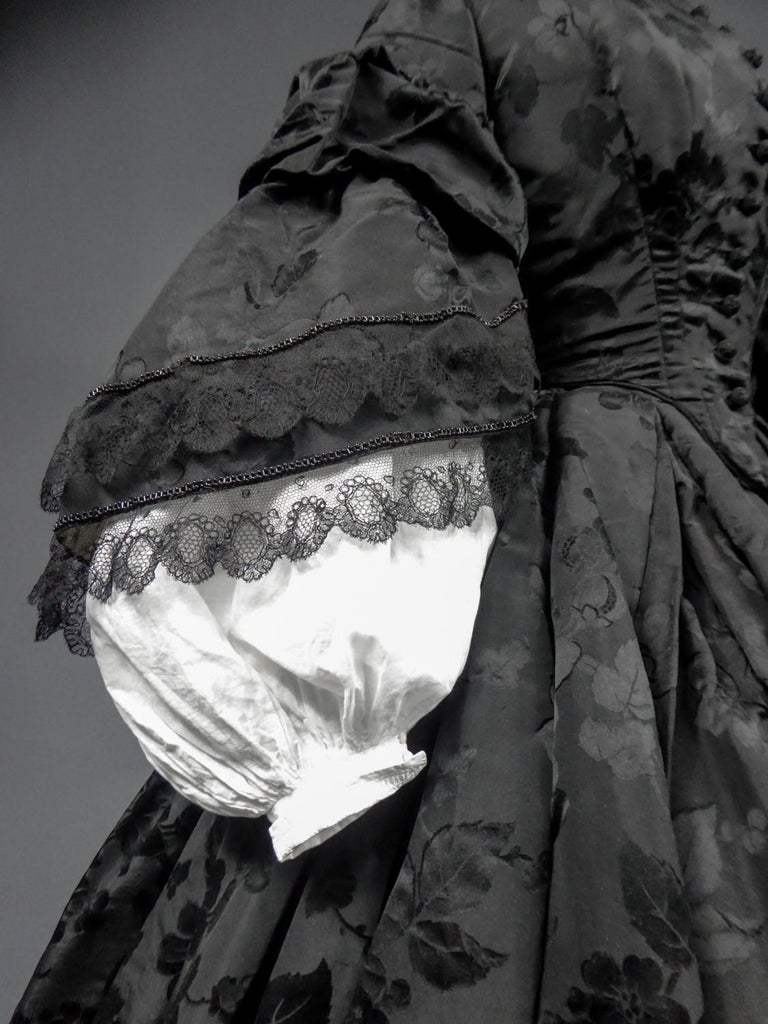 A French Crinoline Damask Silk Day Dress Circa 1865 with Provenance For Sale 1
