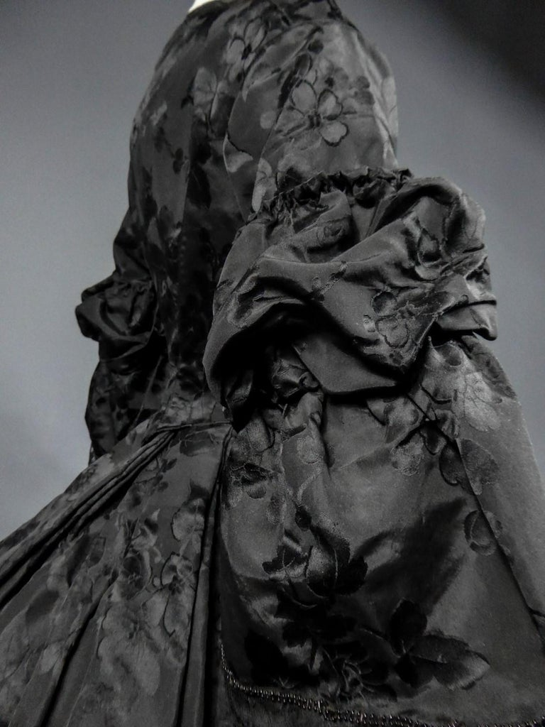 A French Crinoline Damask Silk Day Dress Circa 1865 with Provenance For Sale 3