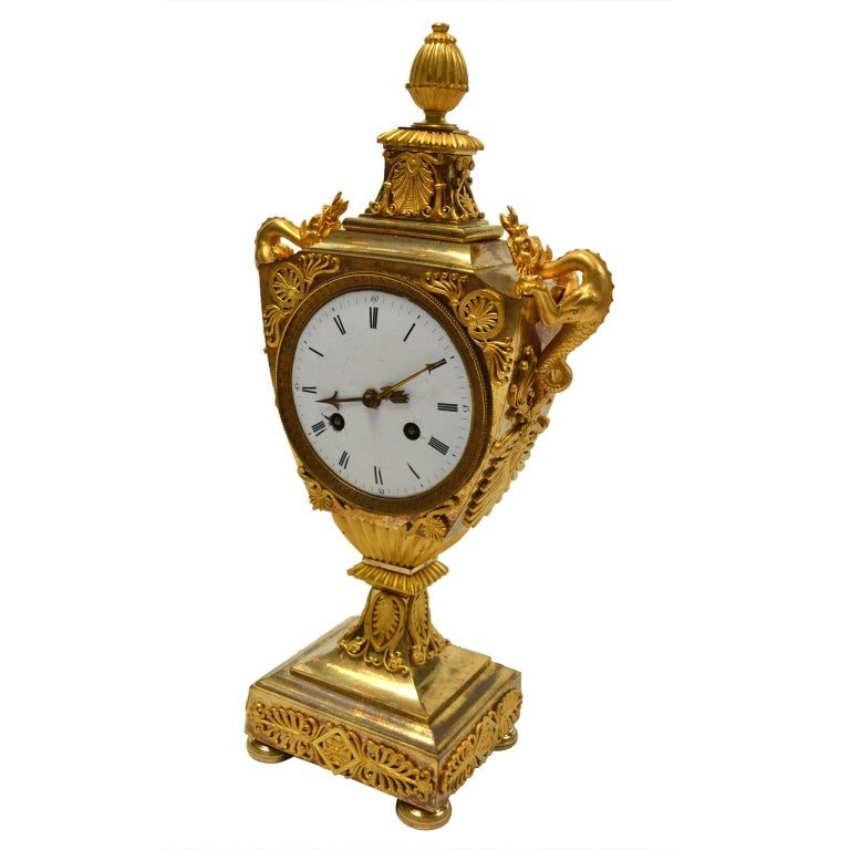 French Early 19th Century Empire Gilt Bronze Dragon Handled Urn Clock In Good Condition For Sale In Vancouver, British Columbia