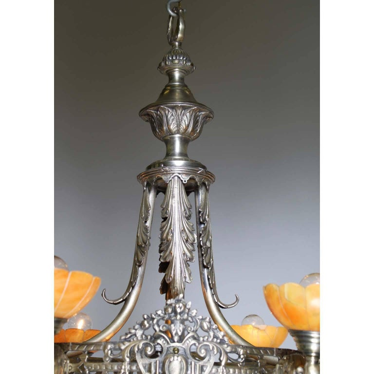 French Early 20th Century Art Deco Silvered Bronze and Alabaster Chandelier For Sale 1