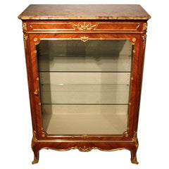 French Fine Quality Kingwood and Ormolu Mounted Vitrine