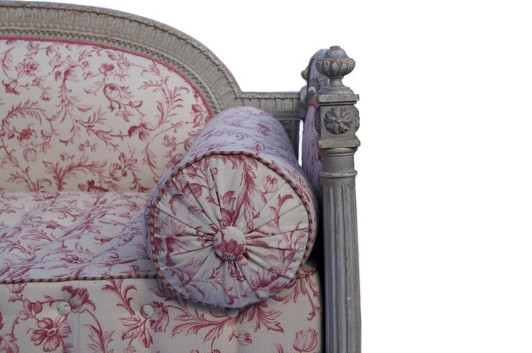 Carved French Louis XVI Style Daybed For Sale
