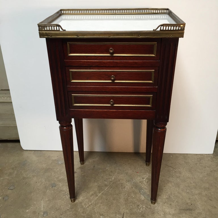 French Louis XVI Style Mahogany Table In Good Condition For Sale In Dallas, TX