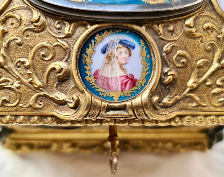 French Napoléon III Ormolu and Sèvres Porcelain Jewelry Casket For Sale 5