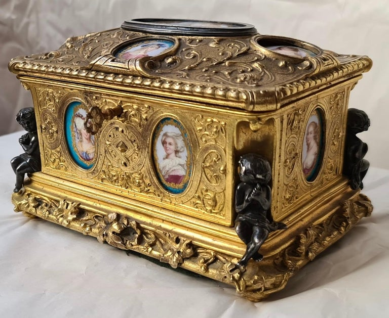 Gilt French Napoléon III Ormolu and Sèvres Porcelain Jewelry Casket For Sale