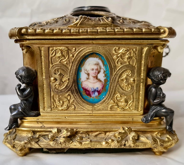 French Napoléon III Ormolu and Sèvres Porcelain Jewelry Casket For Sale 1