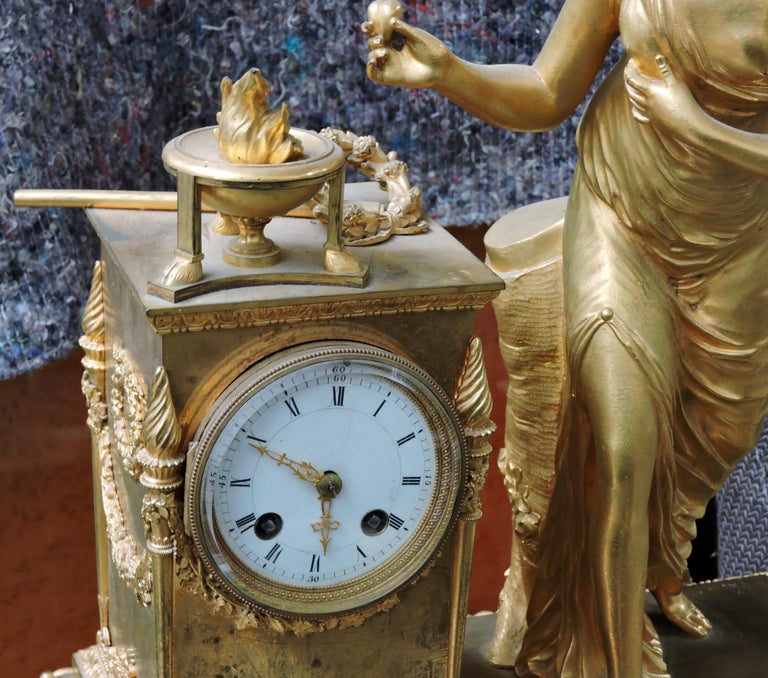 French Restauration Marble and Ormolu Mantle Clock For Sale 3