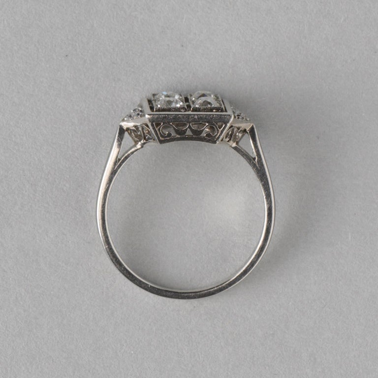 French Square Platinum Art Deco Ring with Diamonds In Good Condition For Sale In Amsterdam, NL
