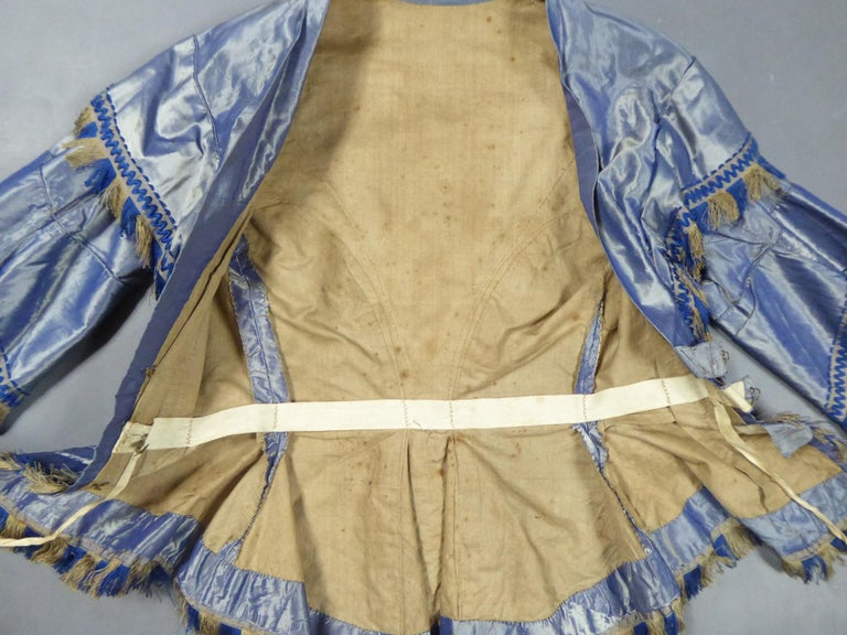 A French Victorian Crinoline Dress with Changing Taffeta Circa 1855. In Good Condition For Sale In Toulon, FR
