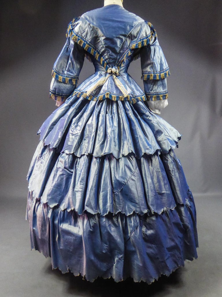 A French Victorian Crinoline Dress with Changing Taffeta Circa 1855. For Sale 4
