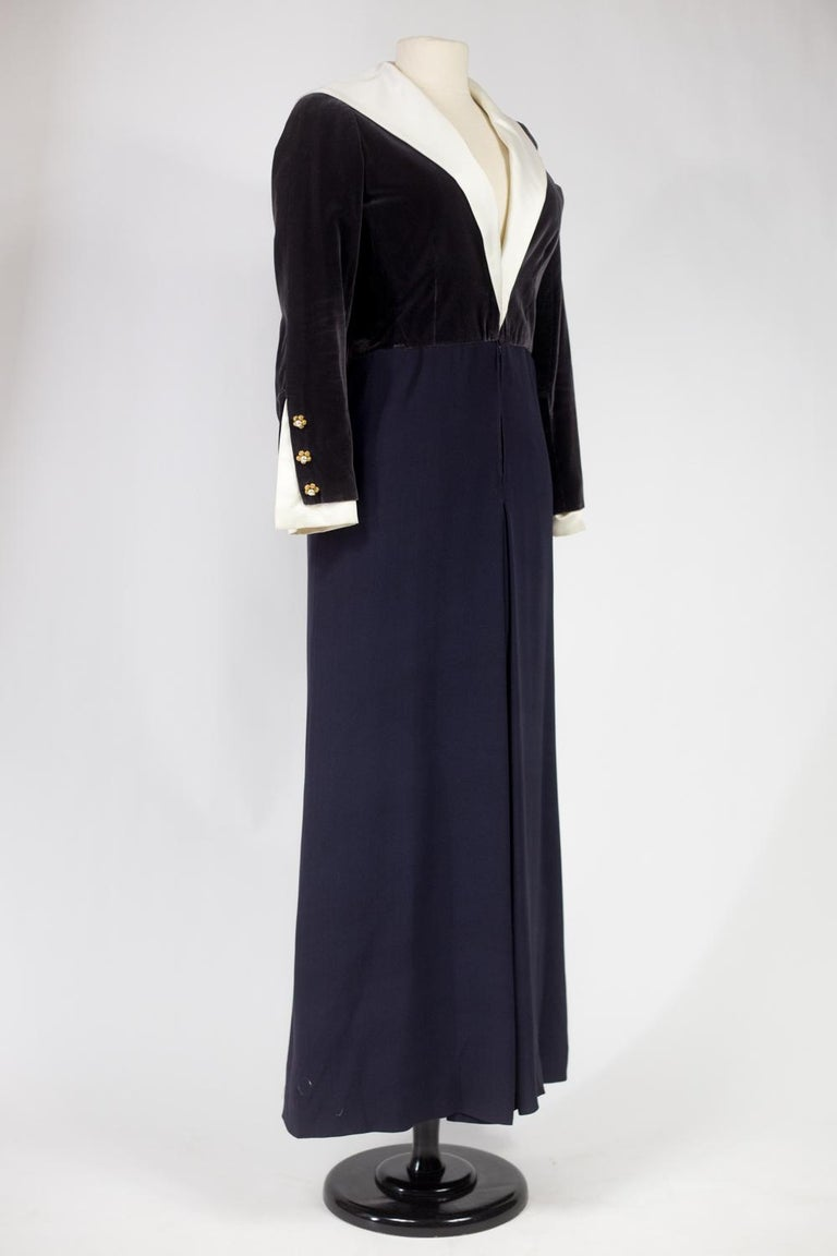 A Gabrielle Chanel Haute Couture Evening Navy Dress Numbered 42506 Circa 1955 For Sale 5