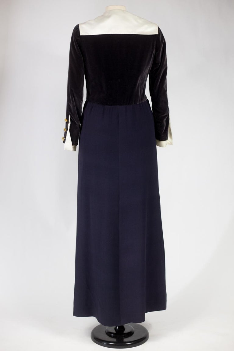 A Gabrielle Chanel Haute Couture Evening Navy Dress Numbered 42506 Circa 1955 For Sale 7