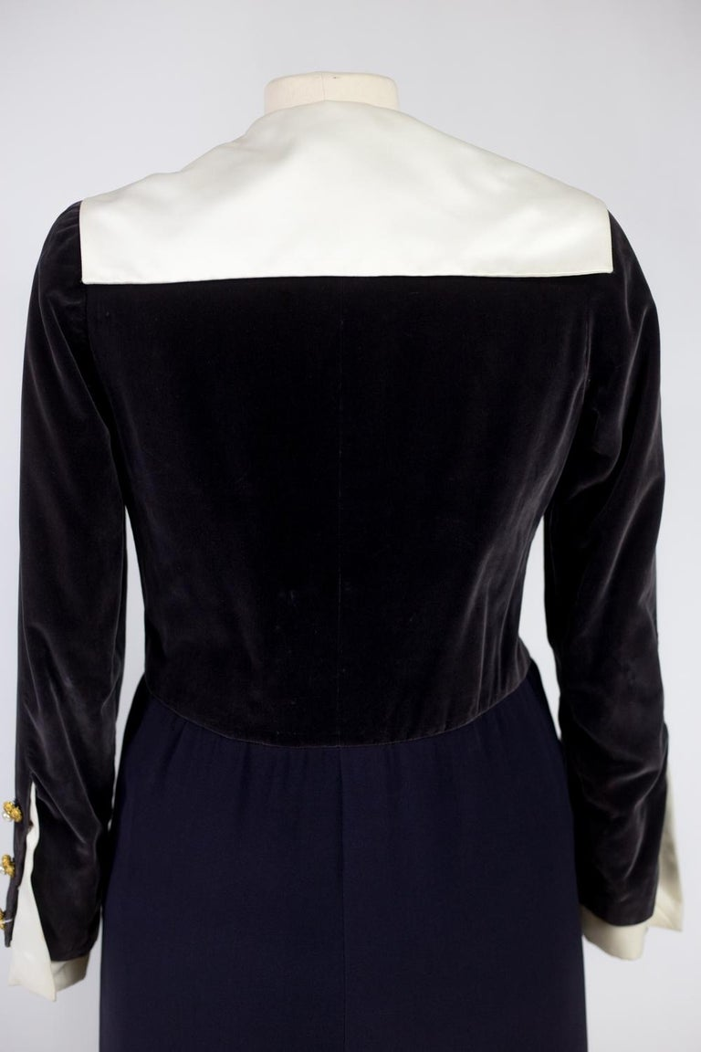 A Gabrielle Chanel Haute Couture Evening Navy Dress Numbered 42506 Circa 1955 For Sale 8