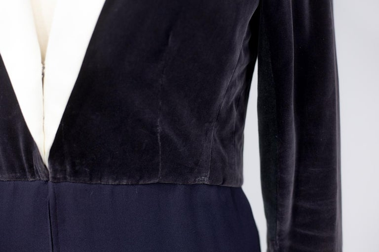A Gabrielle Chanel Haute Couture Evening Navy Dress Numbered 42506 Circa 1955 For Sale 10