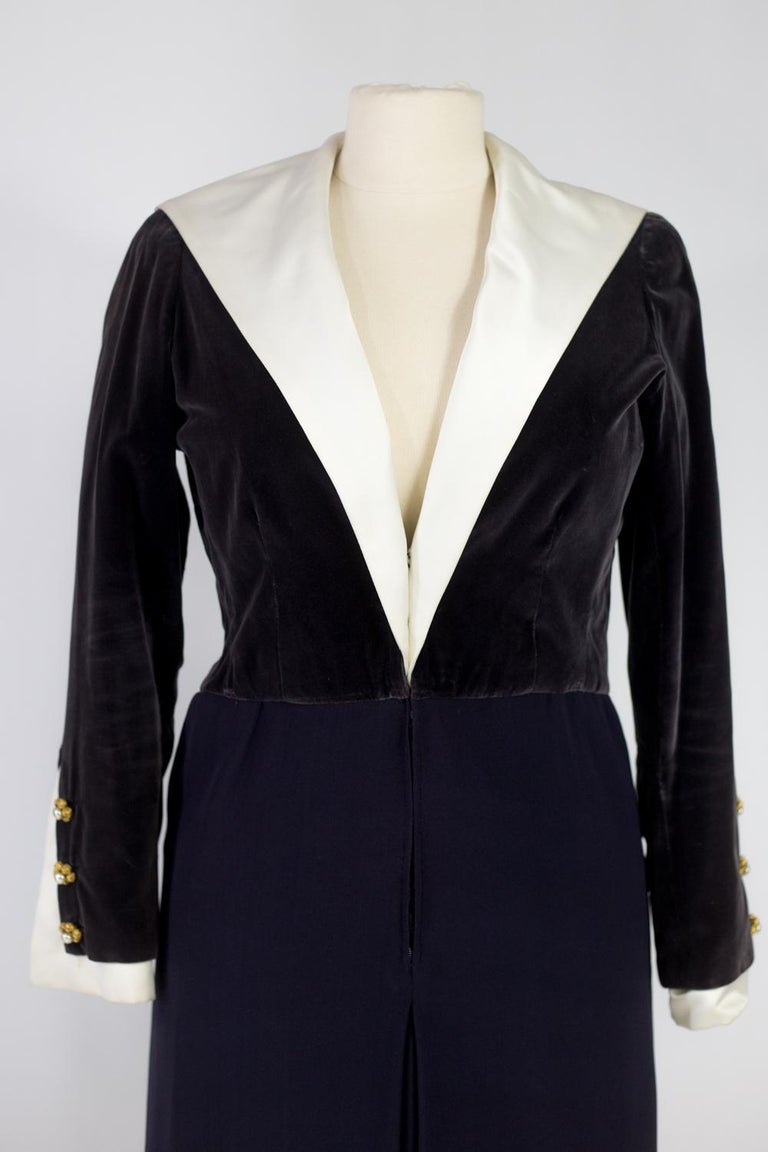 A Gabrielle Chanel Haute Couture Evening Navy Dress Numbered 42506 Circa 1955 For Sale 1