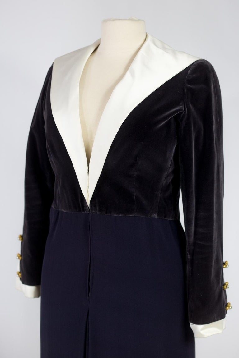 A Gabrielle Chanel Haute Couture Evening Navy Dress Numbered 42506 Circa 1955 For Sale 2