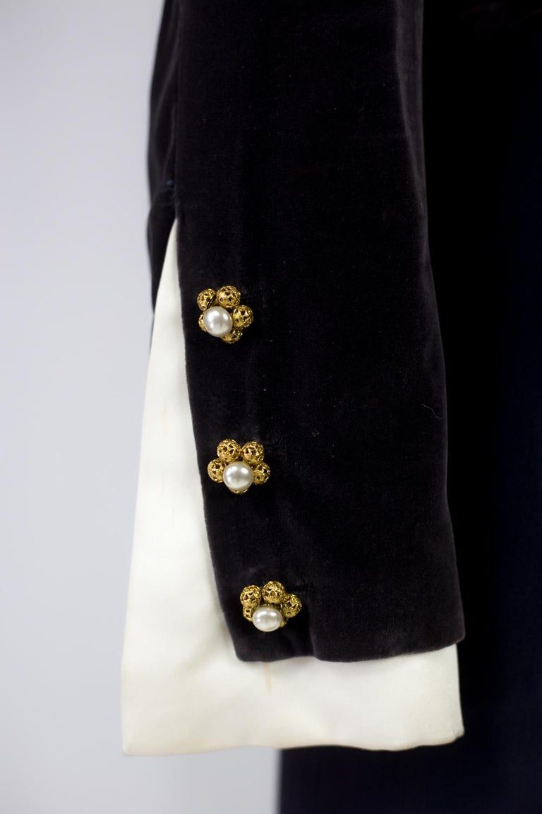 A Gabrielle Chanel Haute Couture Evening Navy Dress Numbered 42506 Circa 1955 For Sale 4