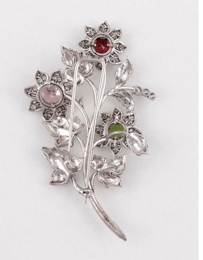 Brilliant Cut Gem-Set Diamond and Eighteen Karat White Gold Brooch For Sale