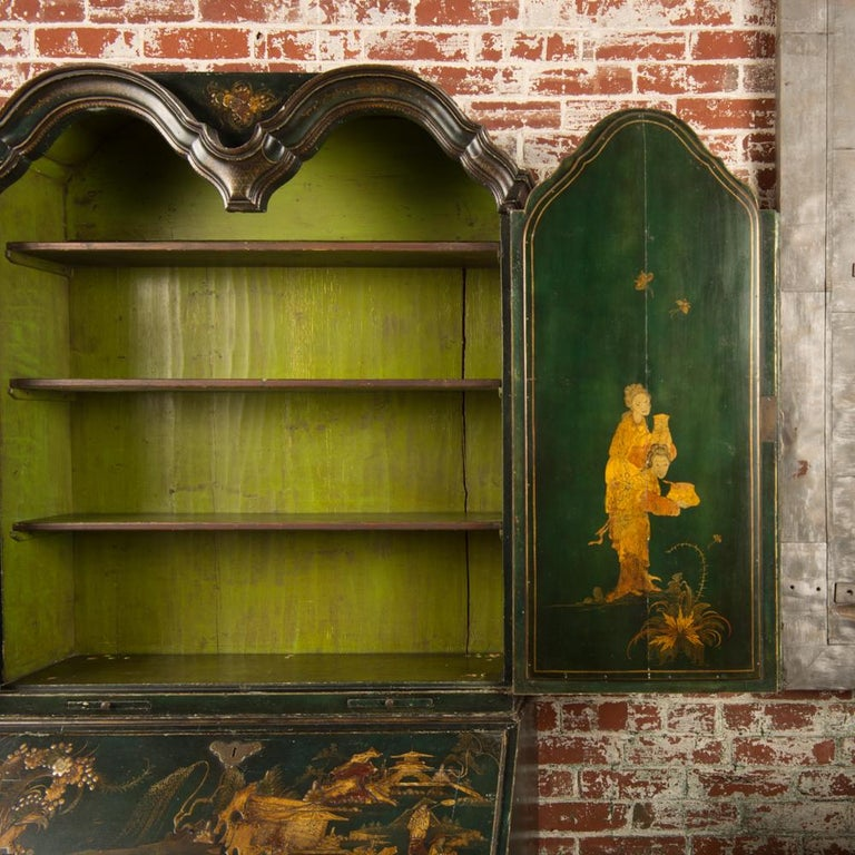 18th Century George I Green Japaned and Parcel Gilt Lacquer Bureau, 18th C For Sale