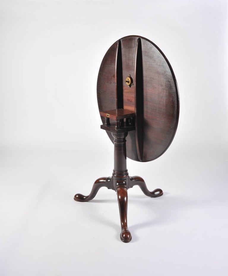 George II Period Mahogany Tripod Table with Gun Barrel Stem For Sale 2