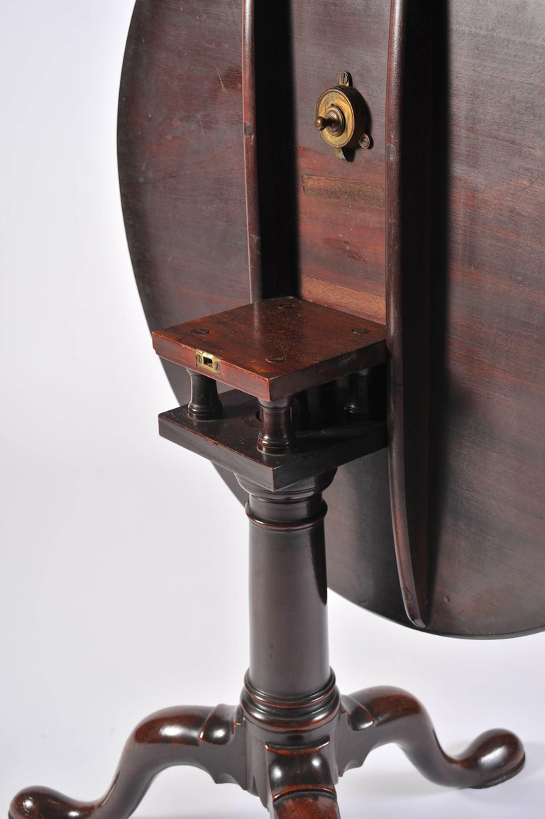 George II Period Mahogany Tripod Table with Gun Barrel Stem For Sale 3
