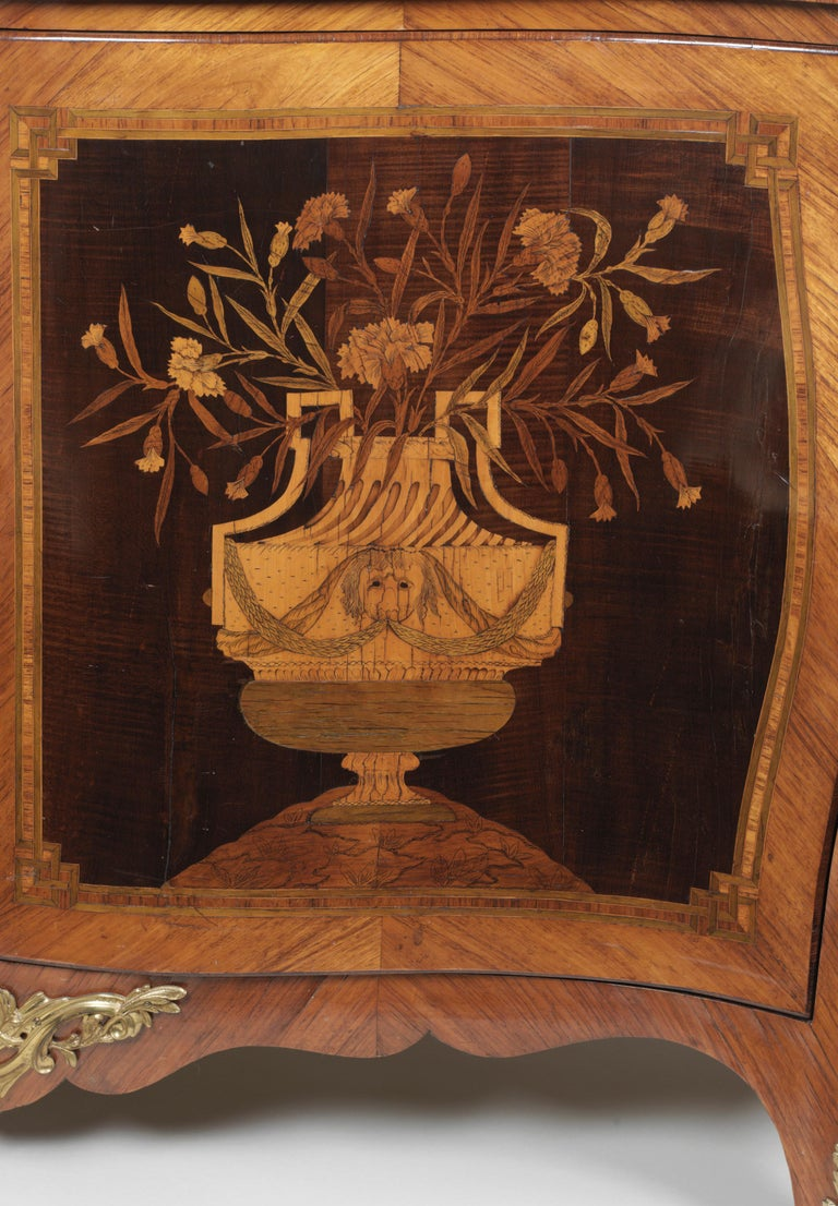 George III Ormolu Mounted Harewood and Marquetry Serpentine Commode 2