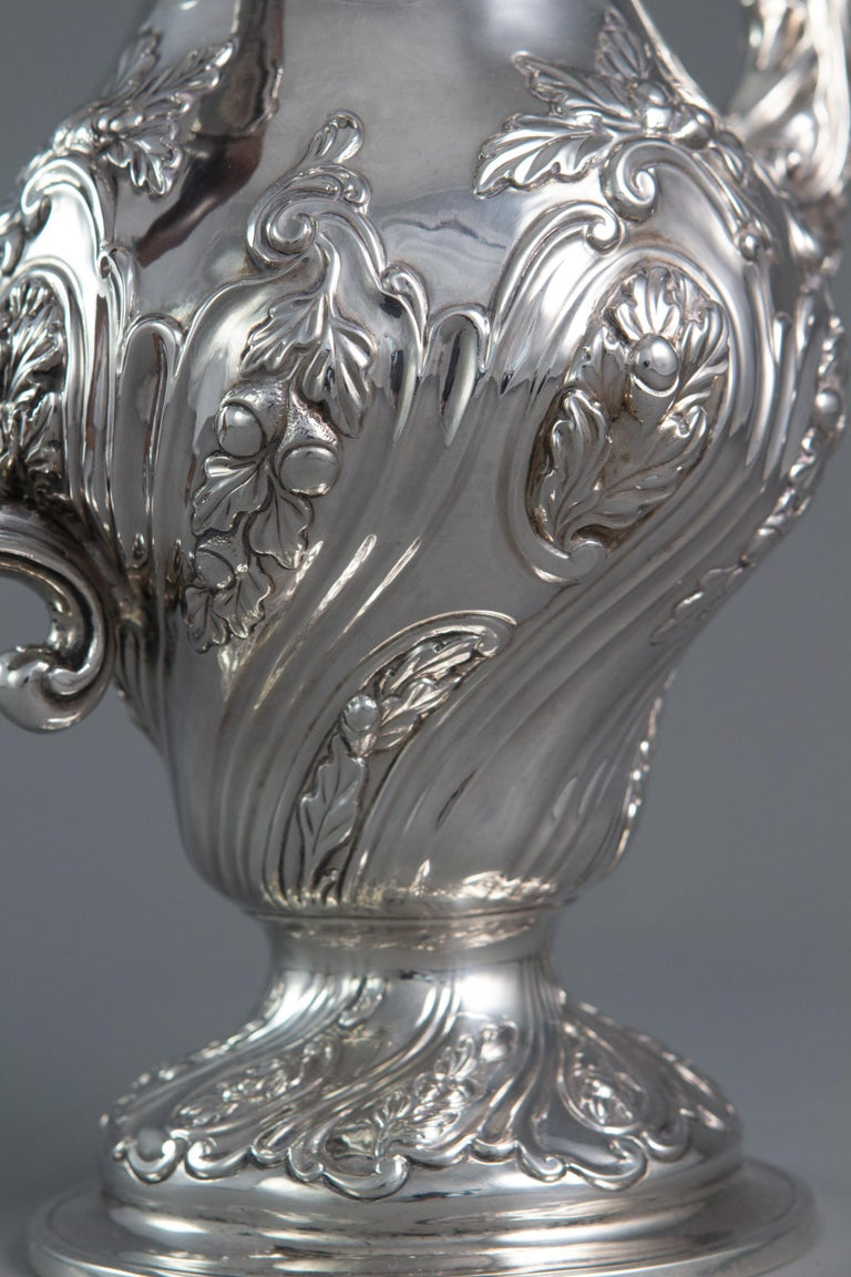 George III Silver Coffee Pot, London 1769 by William Abdy For Sale 7
