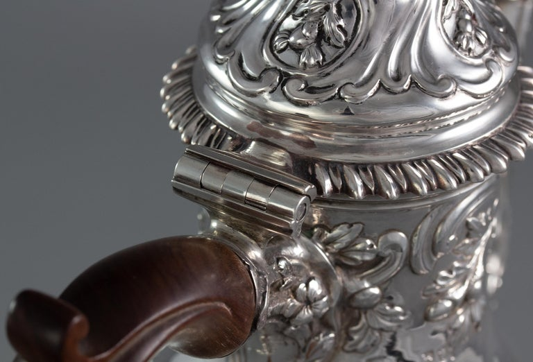 George III Silver Coffee Pot, London 1769 by William Abdy For Sale 8