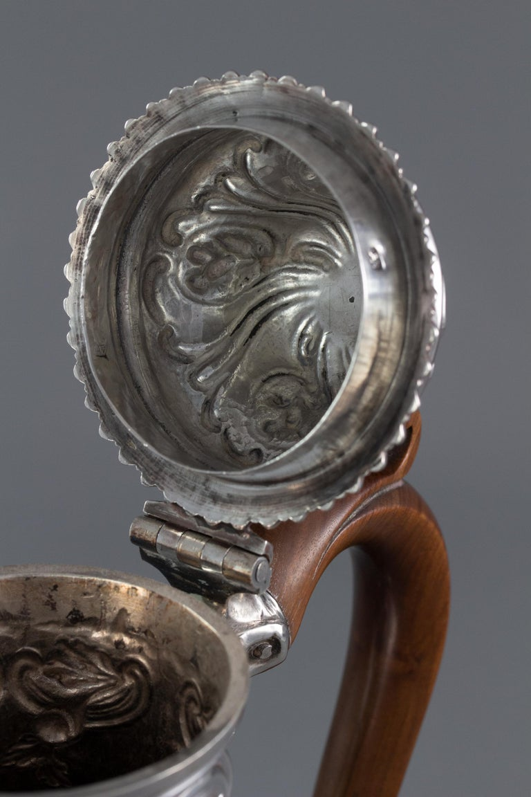 George III Silver Coffee Pot, London 1769 by William Abdy For Sale 9